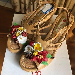 Two Lips Flora Cork Wedge Shoes NIB Never Worn! 🌺
